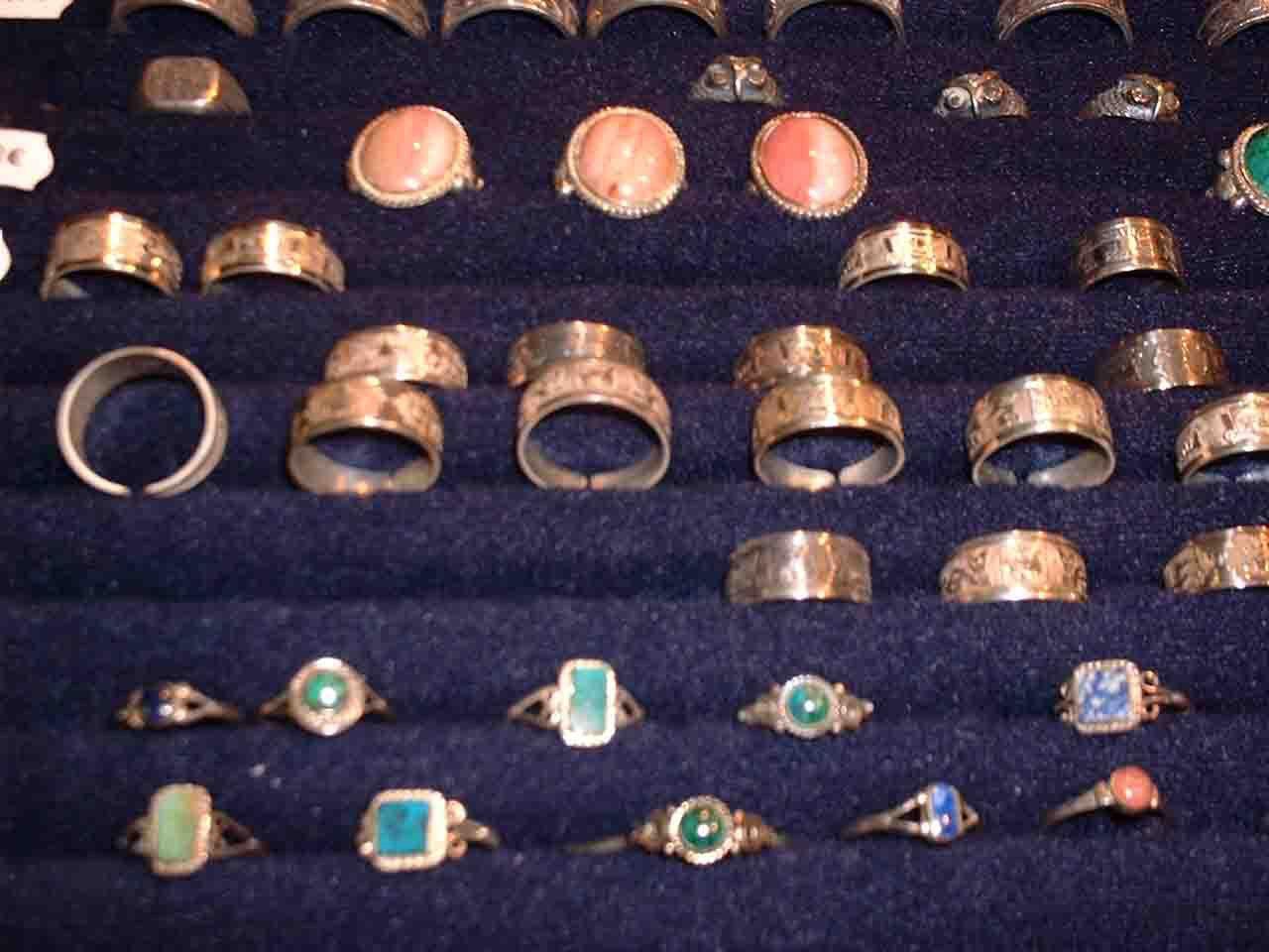 anillos en plata con las piedras semi-precisous  de Per�
