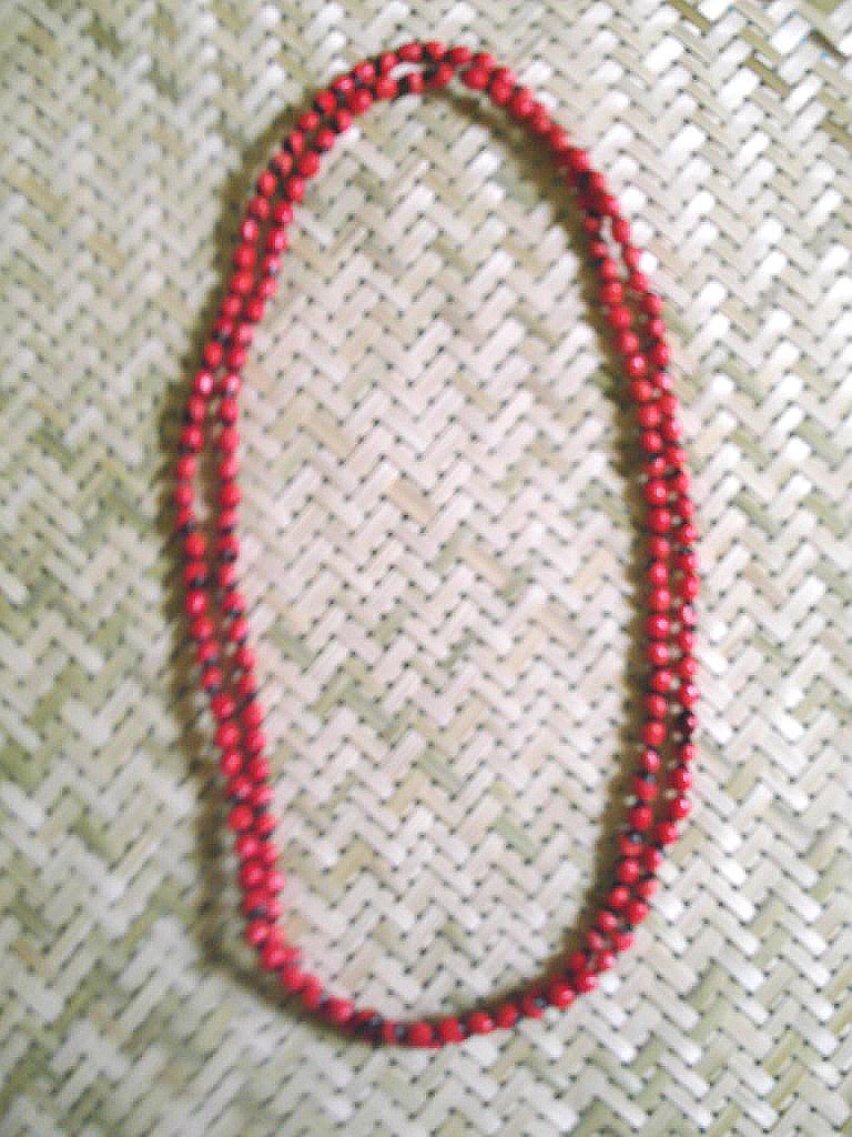 Cuello 2 vueltas en semilla de regaliz,  oeil-de-pigeon