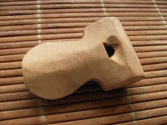 apito sifflet br�silien en bois et artisanal