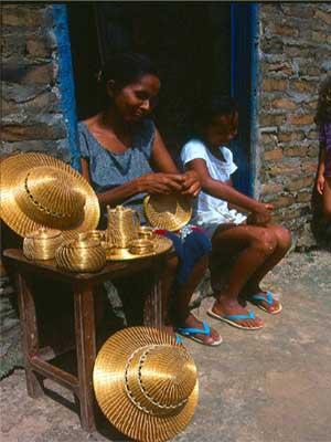 Artisanat du br sil en or v g tal capim dourado bijoux for Artisanat pernambouc bresil