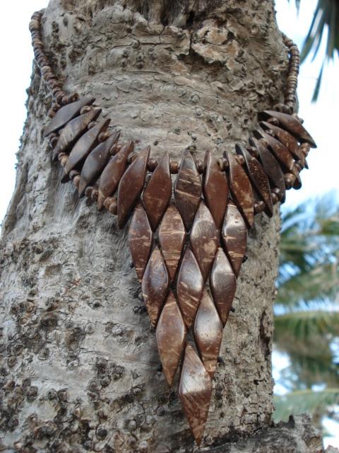 collier en noix de coco plongeant triangulaire