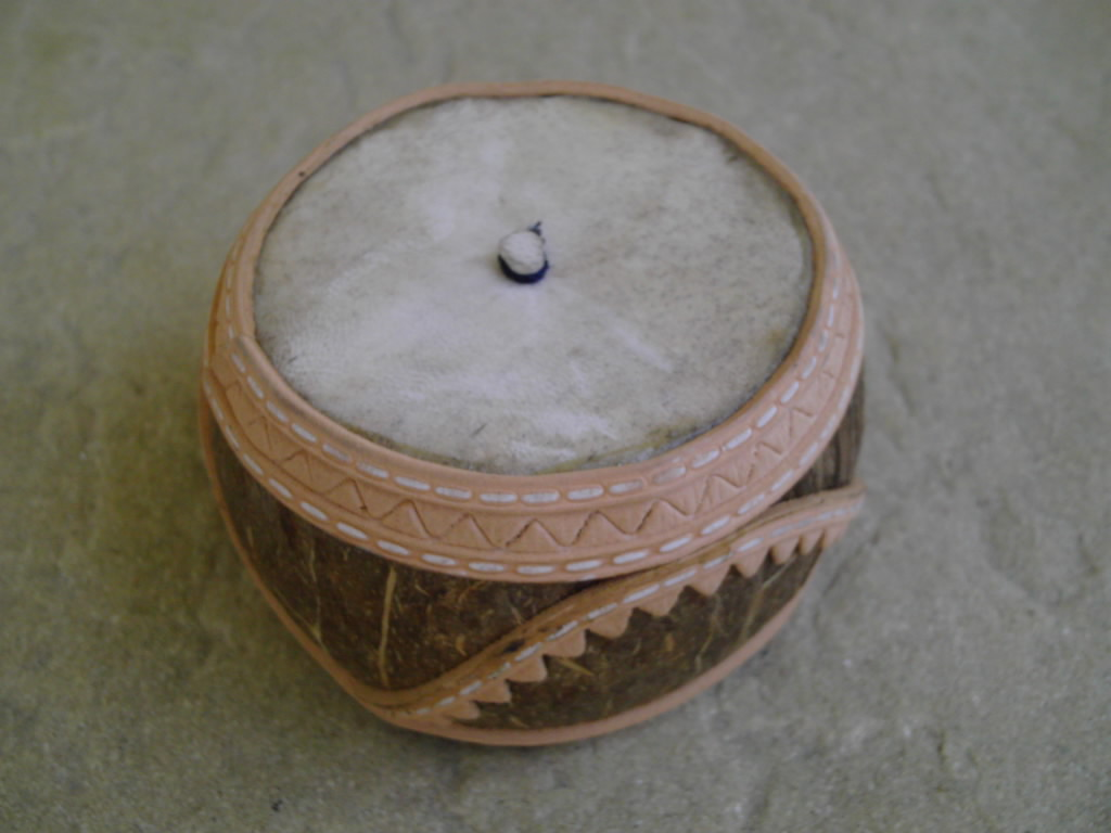 cuica brésilienne en noix de coco