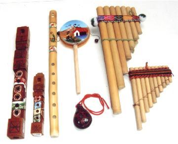 instruments de musique p�ruviens : fl�te de pan, ocarina, tarka, siku, antaritas, pinkillos, tambourin damasa
